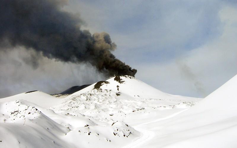 Neve sull'Etna: si va a sciare!