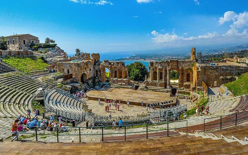 C'è sempre un motivo per andare a Taormina